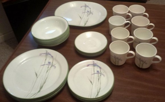 C White Dinnerware Sets