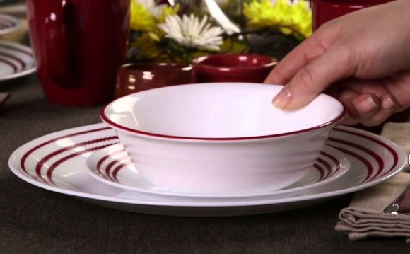 Corelle Ruby Red 16 Piece