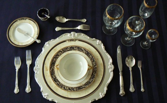 Formal Dinnerware Sets