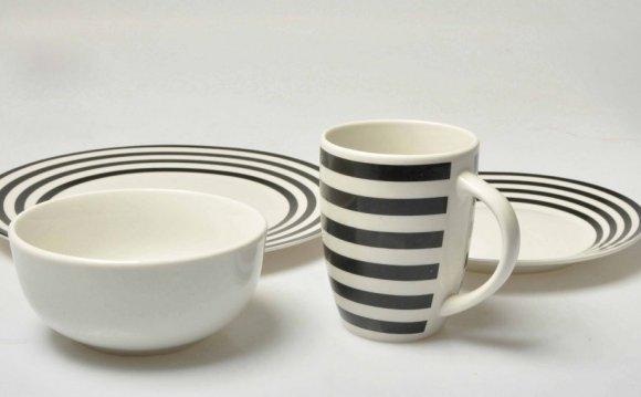 Checkered Dinnerware Sets