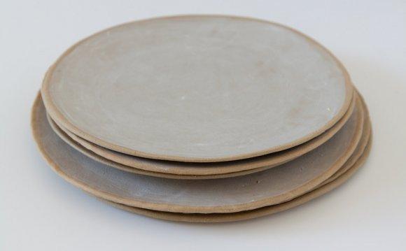 Stoneware plates Gallery