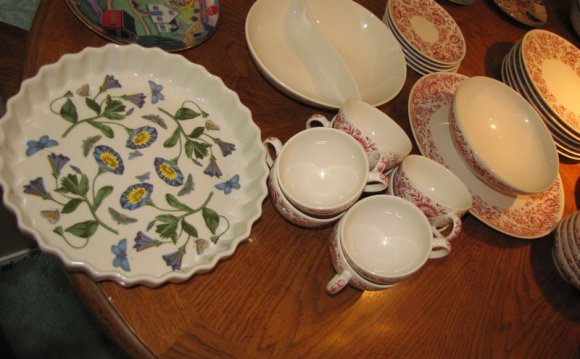 Dinnerware Service for 6