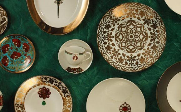 Porcelain Dinner Set online