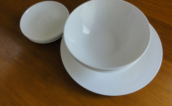 Everyday white Porcelain Bowls