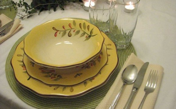 Tuscan style Dinnerware [Polish Tableware]