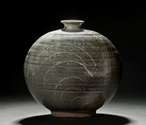 Willi Singleton Woodfired functional stoneware, Photograph by Ken Ek